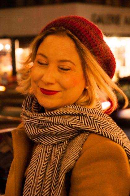 Die Bloggerin beim Spaziergang durch das vorweihnachtliche Wien