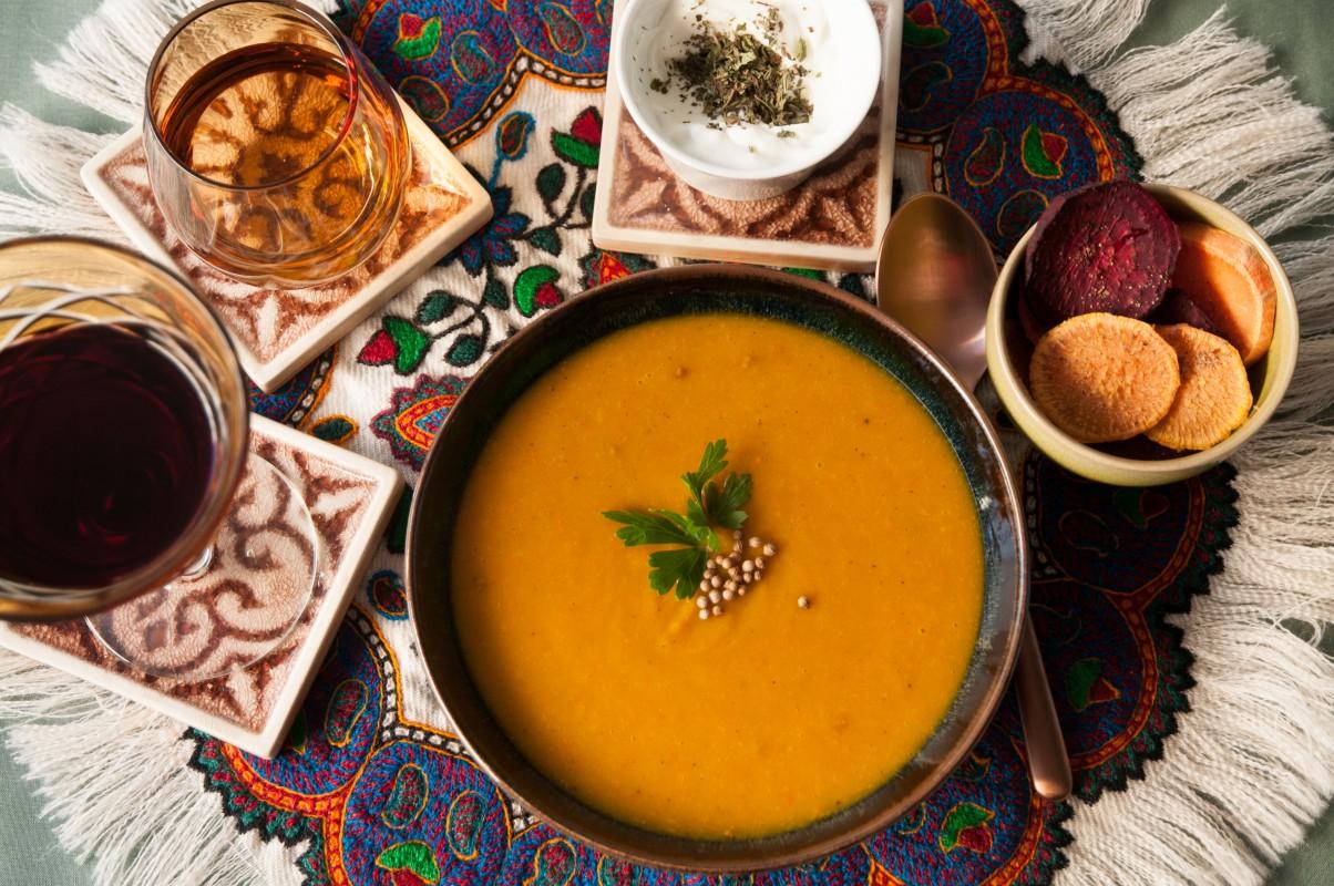 Suppe vom Garten-Hokkaidokürbis