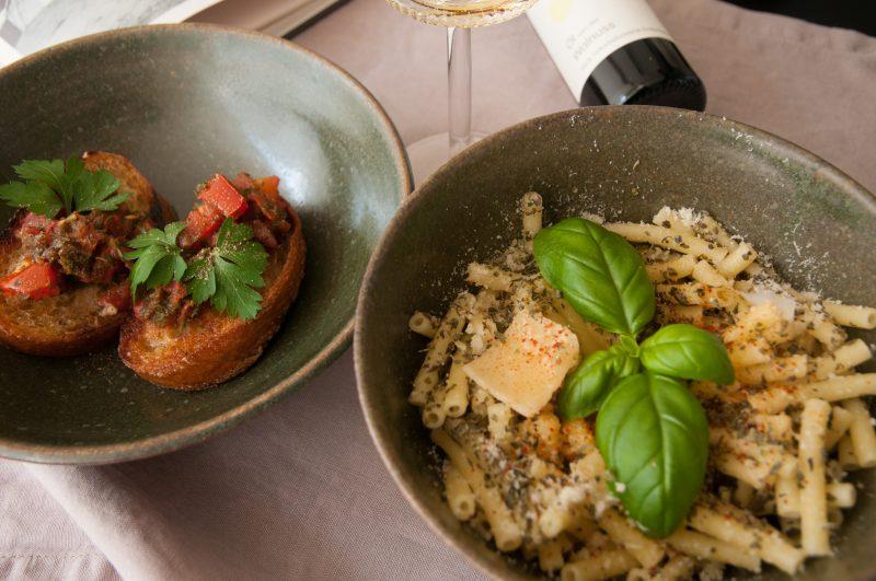 Pannonische Maccheroni und Bruschetta