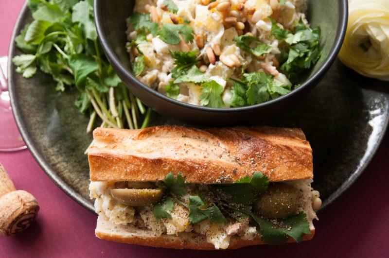 Baguette von Parémi mit meinem Salad Olivieh