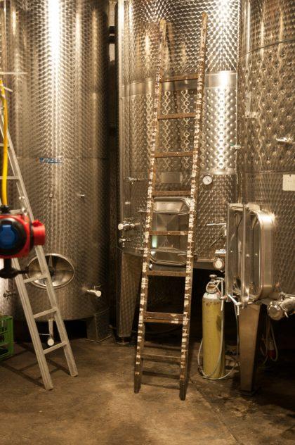 Weintanks am Weingut Christoph Hess