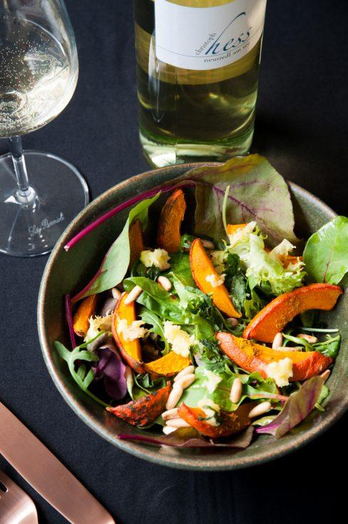 Sauvignon Blanc von Christoph Hess zum fruchtigen Kürbissalat